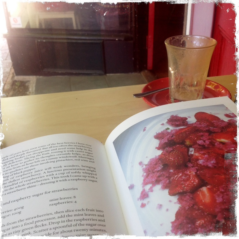 SUMMER: Strawberries with a Raspberry and Mint Sauce   Heat in The Kitchen   Fruit     Dessert or Breakfast   Vegetarian Recipes