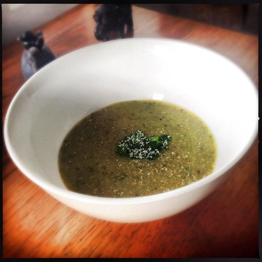 Garlic Soup for a cold winter's night | Heat in The Kitchen | Soups | Winter| Vegetarian